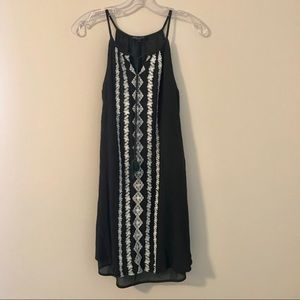 ROMEO & JULIET COUTURE• Size Small Dress